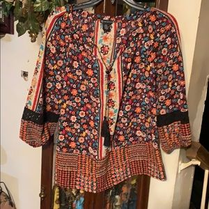 Sz P/xl top by New Direction